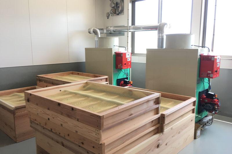 ユーザー様作成乾燥室に熱風発生機を取付た例3
